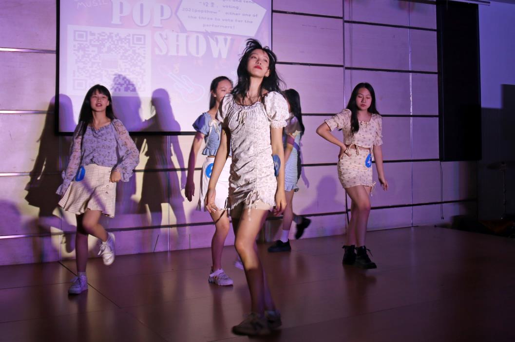 张扬个性,共赏流行音乐之美——IB部POP Show流行音乐秀